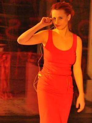 tekst, reżyseria i wykonanie:  Justyna Kowalska muzyka: Piotrek Żyła  text, direction & performance:  Justyna Kowalska music: Piotrek Żyła
